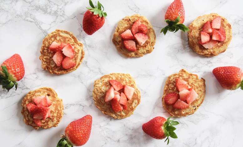 Terveelliset peroteiinipitoiset letut mansikoilla