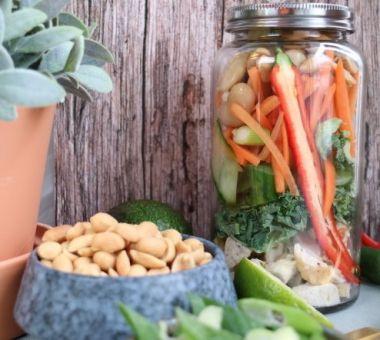 Kanasalaatti on terveellinen ja kevyt ruoka