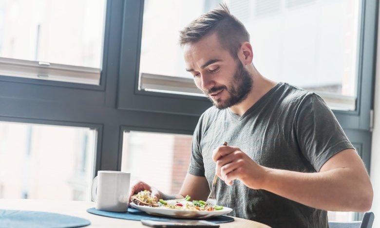 Päivän ruokalista arjen kiireeseen miehille