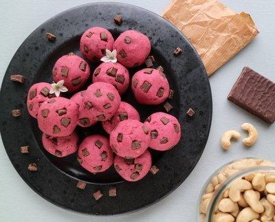 Ohje terveellisten cookie dough -pallojen valmistukseen