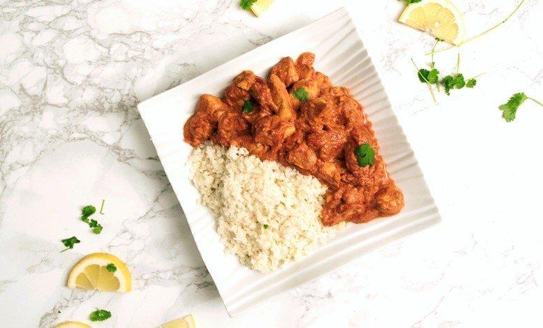Terveellinen kanapäivällinen – currykanaa ja kukkakaaliriisiä
